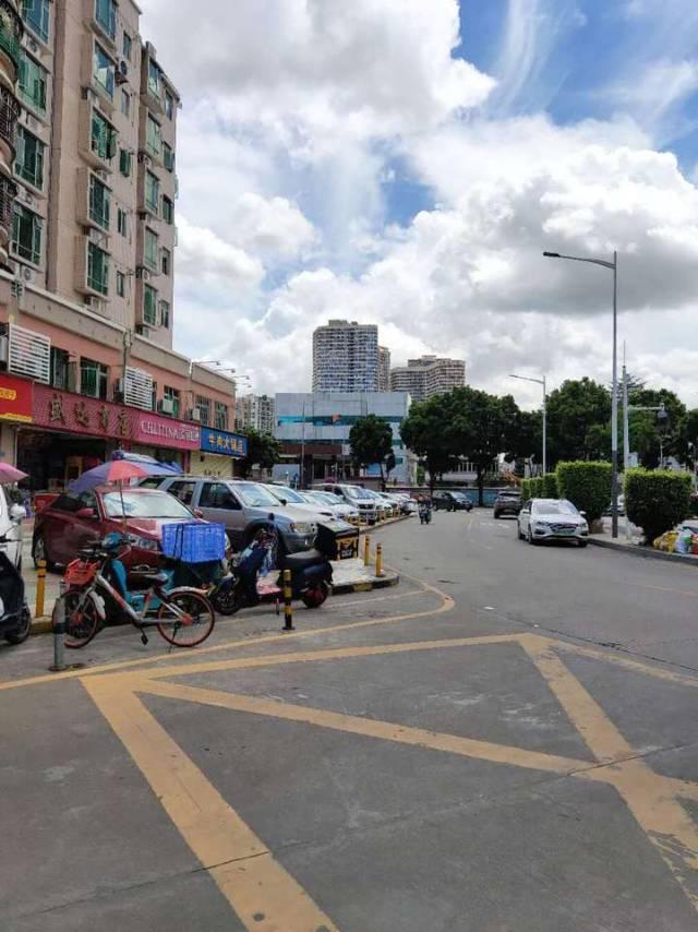 深圳市宝安区西乡镇宝民路东北侧泰华豪园
