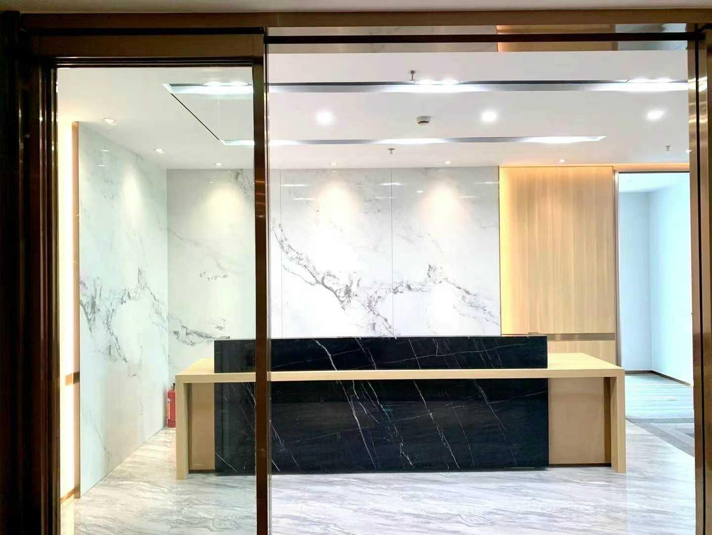 市民中心「新世界中心」办公室出租/双面采光豪华装修,面积628.3平