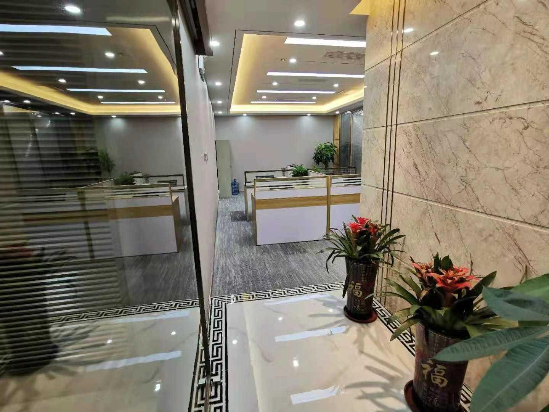 会展中心「卓越世纪中心」写字楼出租/面积188平豪华装修带全套家私