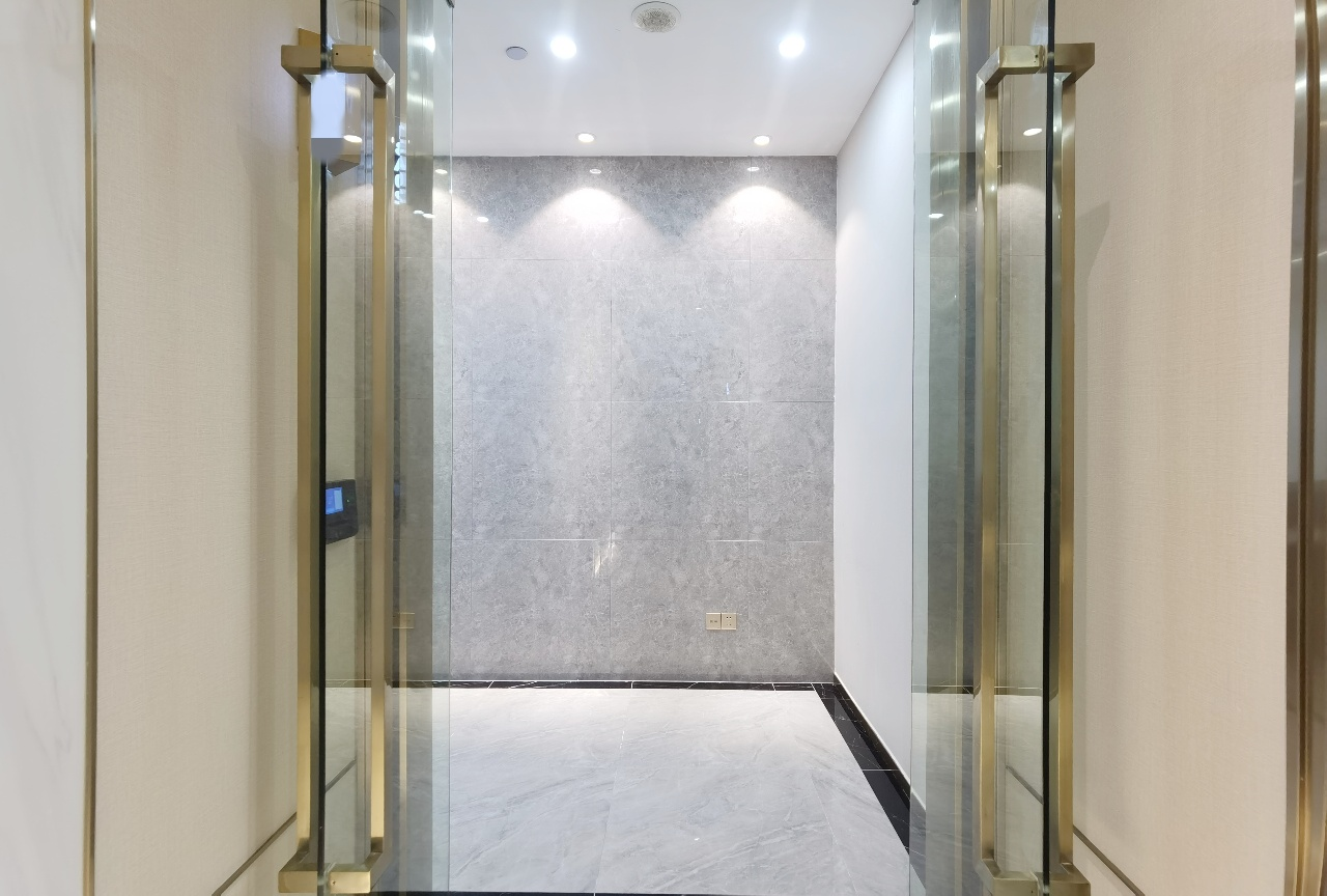 南山国民技术大厦豪华装修260平带齐全部家私业主直租