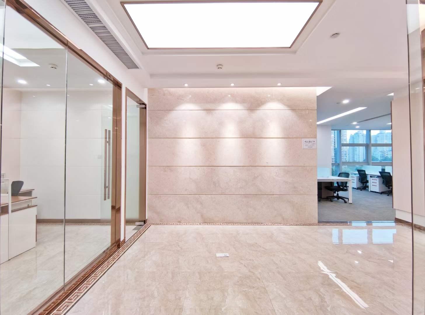 南山后海海王星辰总部大厦出租精装385平带家私公共配套完善电梯口