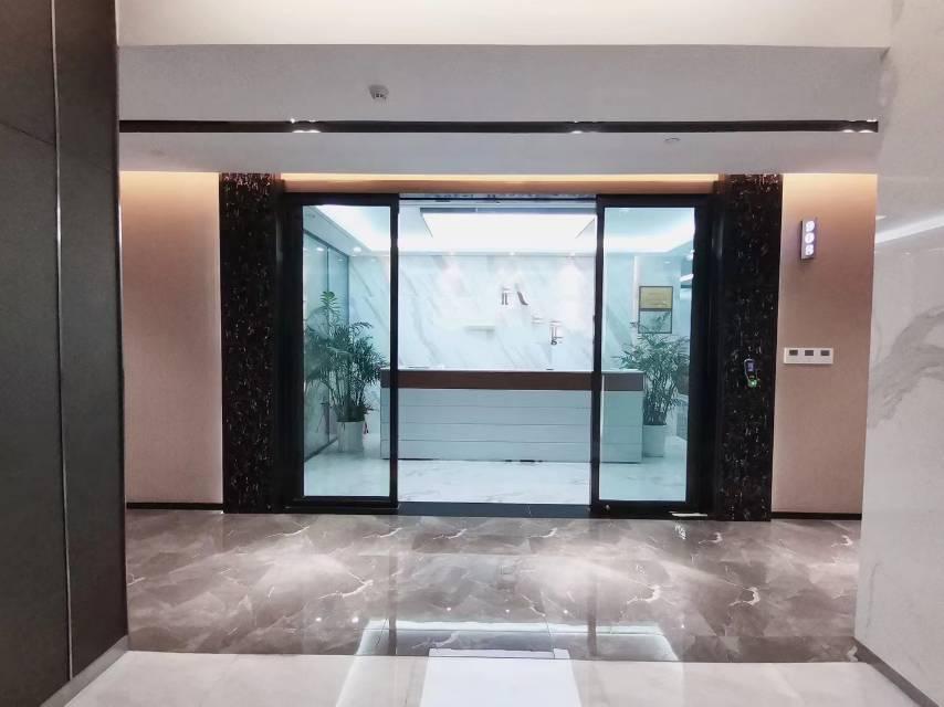 科技园南区北航大厦电梯口豪华装修全套家私