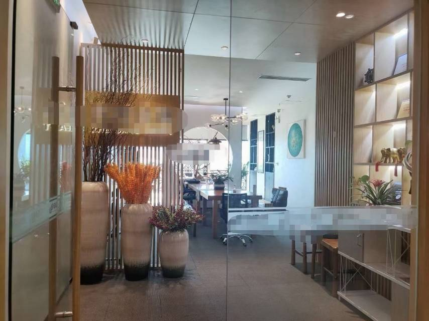 宝安中心区卓越前海时代广场一手业主直租豪华装修看海景