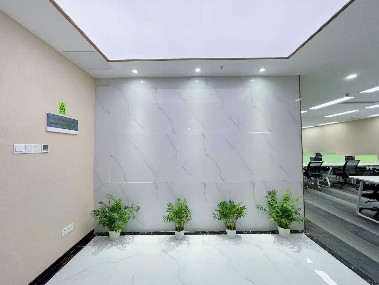南山科技园 比克科技大厦 精装修545平  带家私 户型方正 特价58元