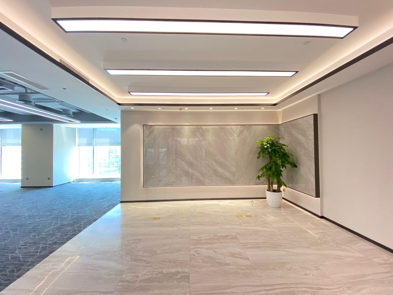 宝安中心区豪华装修675平户型方正双面采光东南向高层海景房电梯口可配齐家私