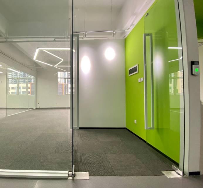 塘朗地铁口优创大厦适合创业团队70平至1000平