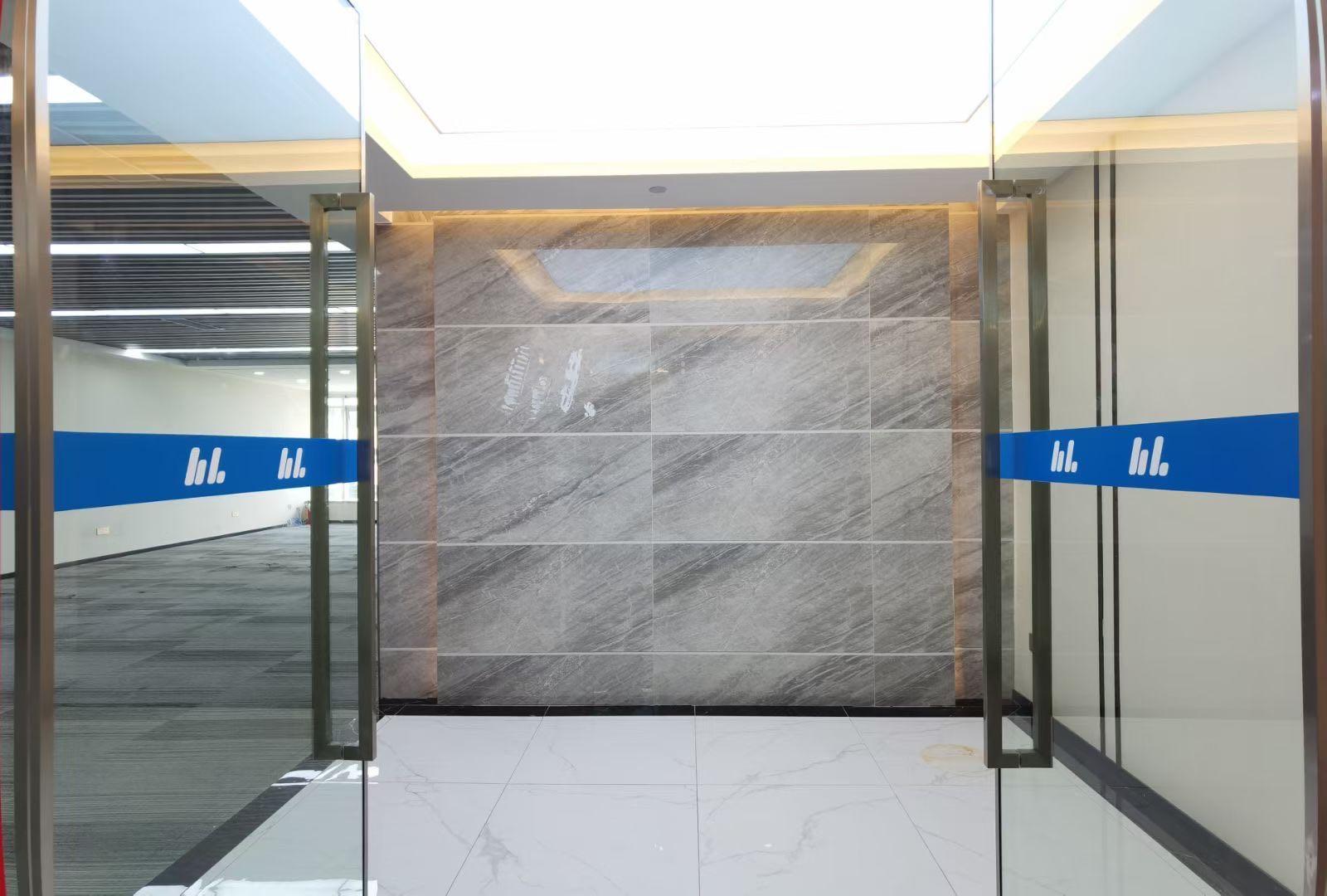 南山科技园双地铁口物业德维森大厦368平精装修户型方正价格实惠