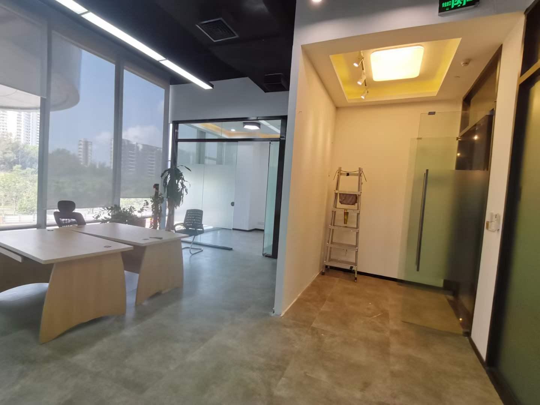 南山区华侨城智慧广场195平方精装办公室出租