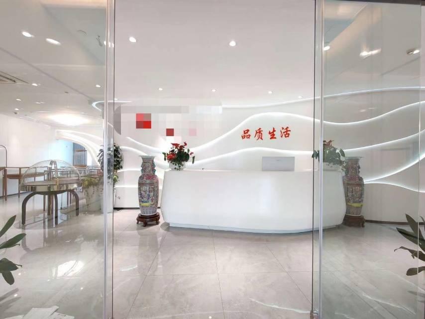 南山前海自贸区大新时代大厦整层豪华装修带阳台